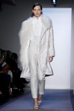 peter som - all white is so classy!!