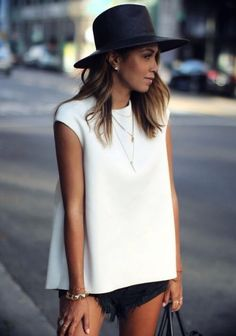 Popular summer outfit ideas looks copy now. Shorts 05 Trendy Summer Outfit Ideas And Looks To Copy Now Bellestilocom 05 Trendy Summer Outfit Ideas And Looks To Copy Now Bellestilocom Looks Street Style, Looks Style, Look Fashion, Womens Fashion, Fashion Trends, Fashion 2015, White Fashion, Denim Fashion, Latest Fashion
