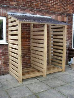 COVERED wooden rack for wood pile