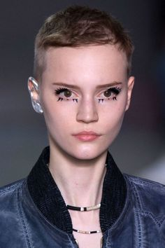 LOUIS VUITTON SPRING 2016 | PARIS FASHION WEEK Make up artist Pat McGrath.