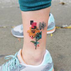 12 seriously pretty birth flower tattoos to celebrate yourself - tattoo . - 12 seriously pretty birth flower tattoos to celebrate yourself celebrate F - Simbolos Tattoo, Form Tattoo, Tatoo Henna, Shape Tattoo, Tattoo Fonts, Tattoo Drawings, Tattoo Quotes, Tattoo Moon, Tattoo Pics