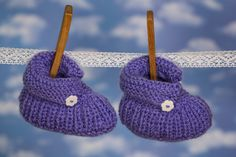 Wer Baby-Socken für ein Neugeborenes stricken möchte, hat in der Regel ein Problem. Denn man kennt die Größe nicht und im Mutterbauch, kann man schlecht nachmessen. Dafür gibt es dann eine Grundregel:   Dann [...]