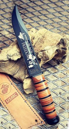 KA-BAR Operation Iraqi Freedom Fixed Knife Blade Celebrate a milestone, honor retired or active military personnel, showcase your pride in the USA or simply add to your collection Used by all brances of miliary and service members Survival Gadgets, Survival Essentials, Survival Gear, Ka Bar Knives, Cool Knives, Us Army Rangers, Cool Lock, Sword Design, Outdoor Tools