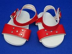RED SANDAL WITH TRIM
