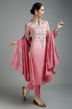 Pink Floral Embroidered Kurta and Pants Set by Virsa .#pernia #perniaspopupshop #indianwear #shopnow #indiandesigners#campaign #virsa