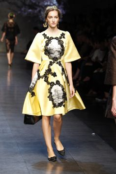 Dolce & Gabbana Online Store, shop on the official store exclusive clothing and accessories for men and women. Androgynous Fashion Women, Men Fashion Show, Womens Fashion, Exclusive Clothing, Dolce And Gabbana Man, Haute Couture Fashion, French Lace, Dress To Impress, Spring Fashion