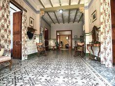 MIL ANUNCIOS.COM - Azulejo valenciano Segunda mano y anuncios clasificados Room, Furniture, Home Decor, Traditional Homes, Flooring, Tiles, Courtyards, Architecture, Bedroom