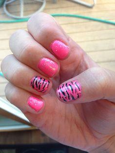 Zebra nails! #shellac #gelnails #pink