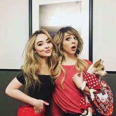 "Lindsey Stirling (@lindseystirling) på Instagram: ""I had a blast performing with this queen last night. @sabrinacarpenter is such a class act. So…"""