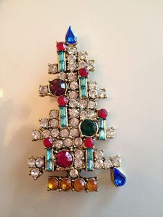 Vintage Signed Weiss Emerald Rhinestone 6 Candle  Christmas Tree  Brooch / Pin