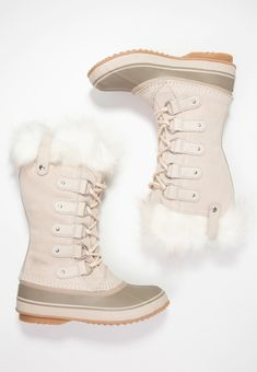 Winter Wardrobe, Boots, Fashion, Capsule Wardrobe Winter, Crotch Boots, Moda, Fashion Styles, Shoe Boot, Fashion Illustrations