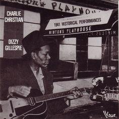 Charlie Christian fue un guitarrista estadounidense de jazz que nació el 29 de julio de 1916 y falleció en marzo de 1942; vivió tan solo 25 años, y a pesar de ello, en una vida tan corta, fue capaz de desarrollar una habilidad sin precedentes para improvisar con la guitarra eléctrica y hacerse famoso a nivel internacional como solista de Benny Goodman y su orquesta.