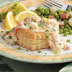 Krabbe Mornay Seafood Appetizers Seafood Appetizers Appetizers Appetizers for a crowd Appetizers parties Appetizers For A Crowd, Seafood Appetizers, Taco Pizza, Mornay Recipe, Burritos, Tapas, Pasta Salat, Crostini, Fingerfood Party