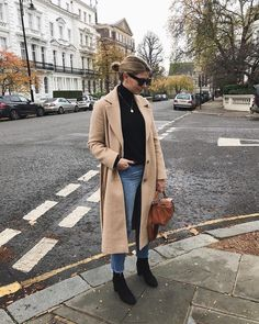 simple outfit with a great coat Fall Winter Outfits, Winter Wear, Autumn Winter Fashion, Outfit Essentials, Converse Outfits, Fashion Mode, Moda Fashion, Fashion Trends, Fashion Outfits