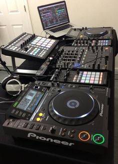 If anybody needs to get #dj #equipment #rental and hire dj so contact us: More Info: http://empireav.com/