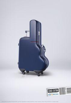ゴルフバッグとスーツケースが一体に!奇妙な形の旅行鞄が示唆するメッセージとは? | AdGang