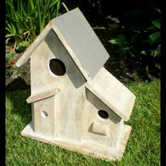 id es cr atives on pinterest birdhouses bird houses and. Black Bedroom Furniture Sets. Home Design Ideas
