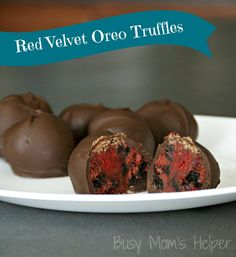 Red Velvet Oreo Truffles via @Danielle {Busy Mom's Helper}
