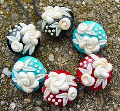 Cameo Roses  Set of 6 Beads  SRA Lampwork Glass door artwithheart