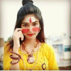 Cute Girl Image, Cute Girl Poses, Cute Girl Photo, Cute Girls, Photo Poses For Couples, Girl Photo Poses, Beautiful Girl Photo, Beautiful Girl Indian, Beautiful Hands