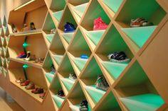 20+ Kids Shoes store design ideas