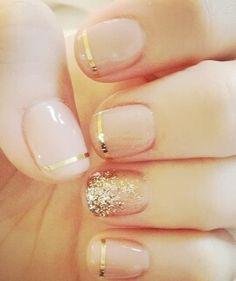 gold sties & glitter manicure