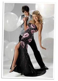 """Oh, wow, this is special. If your prom features sequined """"lips"""" which could, if viewed incorrectly, read as something quite different, you might regret it. I do, however, love her pose. Classic."""