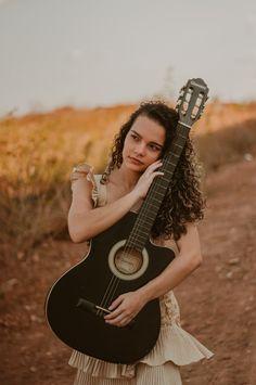 Musician Photography, Stylish Photo Pose, 2 Set, Photo Poses, Senior Portraits, Photoshoot, Woman, Ideas, Girl Photo Poses