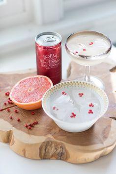 Pink Grapefruit Champagne Fizz