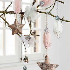 Sfeervolle versiering #kerstversiering #romantisch #intratuin
