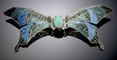 Butterfly Brooch by Rene Lalique Jewellery displaying a beautiful black opal in the centre. Lalique Jewelry, Opal Jewelry, Jewelry Art, Vintage Jewelry, Jewelry Design, Jewlery, Animal Jewelry, Handmade Jewelry, Bijoux Art Nouveau