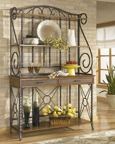 Old Sweetwater Cottage: Bakers Rack