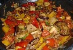 ✓✓Ratatouille Goulash, Korn, Kung Pao Chicken, Ratatouille, Meat, Ethnic Recipes, Savory Snacks, Healthy Food, Kitchens