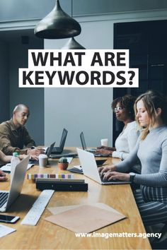 Keywords can improve your site's SEO and increase brand awareness, but what are they and how do can you use them effectively on your site? Digital Marketing Strategy, Online Marketing, Social Media Marketing, Digital Review, Improve Yourself, Finding Yourself, Searching, Seo, Web Design