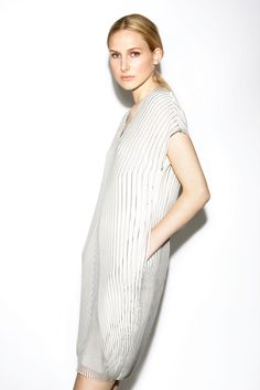 http://www.style.com/slideshows/fashion-shows/resort-2016/tse/collection/8