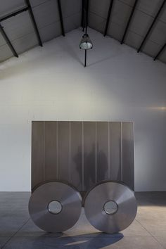 Sottiletta, 2007 Acciaio inox e alluminio 178 × 156 × 6 cm Photo © Bart Herreman Home Appliances, Table, Furniture, Home Decor, House Appliances, Decoration Home, Room Decor, Appliances, Tables