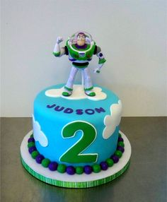 Adorable Buzz Lightyear cake for a Toy Story birthday party