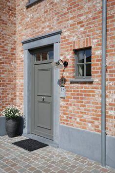 House Design, House, Cottage Exterior, Brick Exterior House, Garage Doors, Exterior Brick, Front Door, Home Decor, Doors