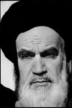 IRAN: QOM September 1979. L'Ayatollah KHOMEINY, leader of the Revolution.© A. Abbas/Magnum Photos