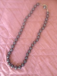 Anthracite vintage necklace.