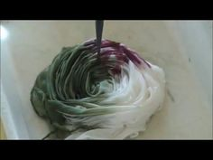 Pintura en seda. Silk Painting. Peindre en soie. Seidenmalerei. - YouTube