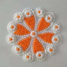 Christmas Embroidery Patterns, Embroidery Patterns Free, Baby Knitting Patterns, Crochet Patterns, Crochet Crafts, Crochet Projects, Free Crochet, Crochet Girls Dress Pattern, Woolen Craft