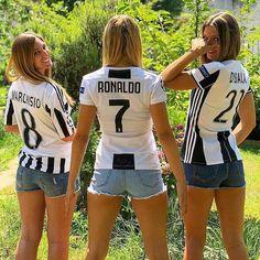 Football Ticket, Football Girls, Retro Football, Female Volleyball Players, Women Volleyball, Soccer Players, Volleyball Outfits, Soccer Fans, Football Fans