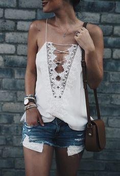 ╰☆╮Boho chic bohemian boho style hippy hippie chic bohème vibe gypsy fashion indie folk the . ╰☆╮lace up Trend Fashion, Fashion 2017, Look Fashion, Gypsy Fashion, Fashion Women, Fashion Basics, Fashion Online, Fashion Vest, Summer Fashion Trends