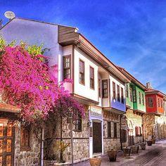 Türkiye Antalya Kaleiçi . Side Turkey, Leiden, Antalya, Pyrography, Tours, Istanbul, Photo And Video, Mansions, House Styles