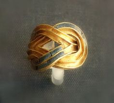 Minoans- Aigina Treasure ring 1850-1550BC British Museum
