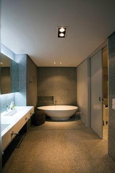 Picturesque Beach House Design in Plettenberg Bay, South Africa: Sensational Bath Tub Design In Contemporary Bathroom Ideas With Concrete Fl...