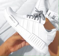 Adidas Stan Smiths are extremely trendy and they go with lots of combinations. Adidas Primeknit technology is perfect for the marathon runner. You can't fail with Adidas. Cute Shoes, Women's Shoes, Me Too Shoes, Shoe Boots, Shoes Sneakers, White Addidas Shoes, White Tennis Shoes, Adidas Sneakers, Golf Shoes