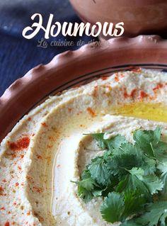 Houmous mezzé libanais de pois chiches et tahin