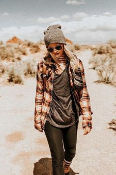 Stylish Summer Hiking Outfit Ideas 150 The classic flannel plaid shirt is perfect for desert hiking. Love these boots and beanie to look casual and hipster. The post Stylish Summer Hiking Outfit Ideas 150 appeared first on Outfit Diy. Cute Hiking Outfit, Summer Hiking Outfit, Summer Outfits, Casual Outfits, Hiking Boots Outfit, Womens Hiking Outfits, Camping Outfits For Women Summer, Flannel Outfits Summer, Plaid Shirt Outfit Summer